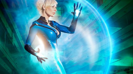 MC_Bourbonnais_Marvel_Sue_Storm_Cosplay_05