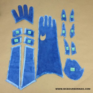 MC_Bourbonnais_Power_Girl_Cosplay_Gloves_Making_Of_01