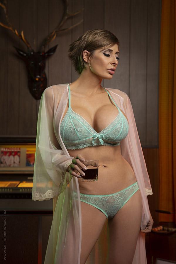 claude nude Marie bourbonnais